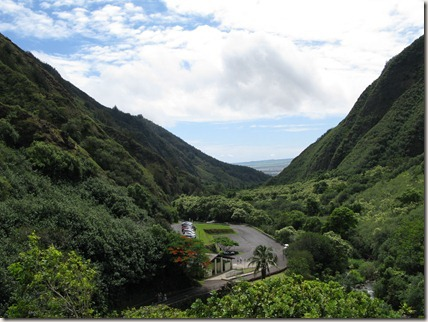 The view toward the entrace of the Iao Valley