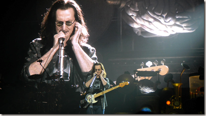 Photo of Geddy Lee by Dan Martin